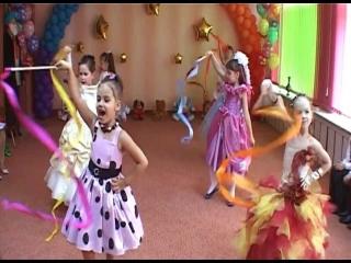 Видео детских танцев из лентами