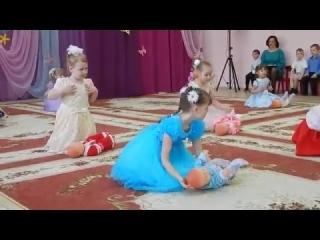Скачать видео танец кукол во детском саду