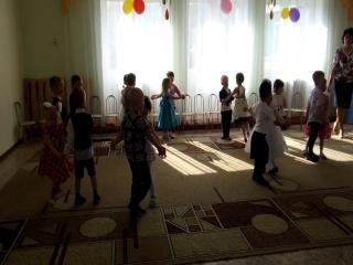 Танец кнопочка на детском саду видео