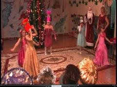 Смотреть танец конфеток во детском саду видео